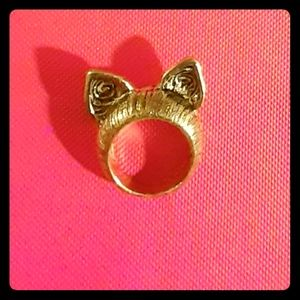 Jewelry - 😻Gold Cat😻Ears Ring😻